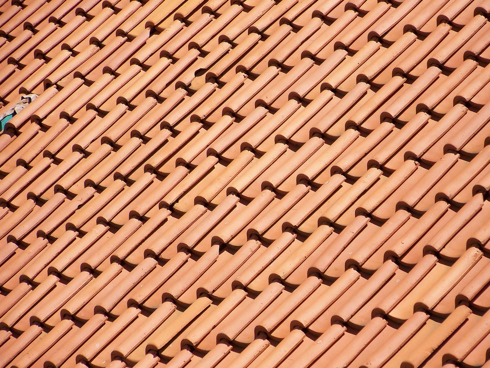 tile-roof-244052_1920.jpg